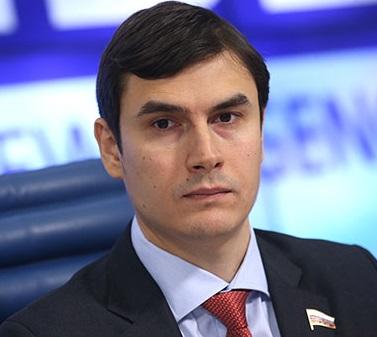 Депутату Госдумы от КПРФ подожгли квартиру