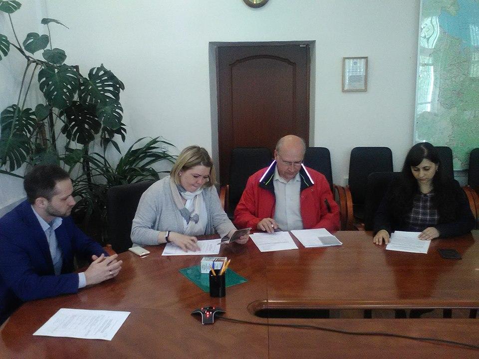 Кандидат от КПРФ на губернаторских выборах сдал документы для регистрации