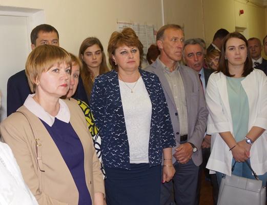 Первая слева  депутаткоммунист Е.Д. Кузнецова