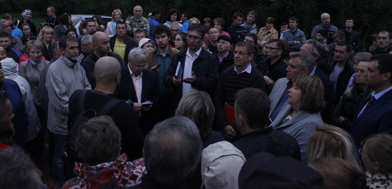 Собрание граждан по Многоэтажному району №9 -Тверицы (фоторепортаж)