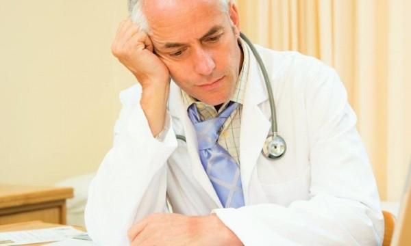 Минздраву не хватает денег на зарплаты врачам и медперсоналу