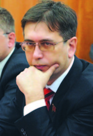Эльхан МАРДАЛИЕВ, секретарь ОК КПРФ, депутат Ярославской областной Думы.