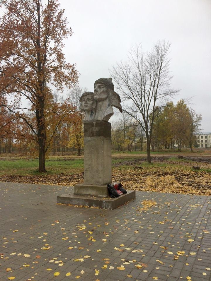 Комсомольский парк меняет облик