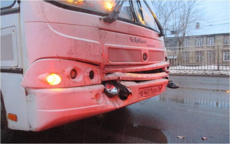 В ДТП с маршрутками пострадали 9 человек