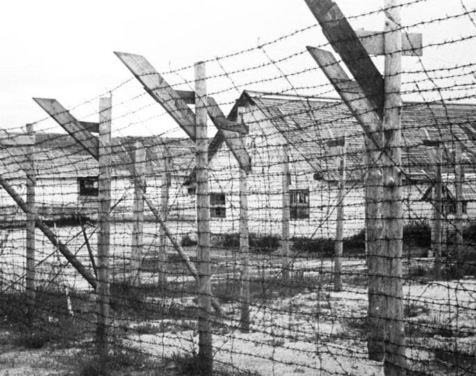 Уничтожают память о советских военнопленных