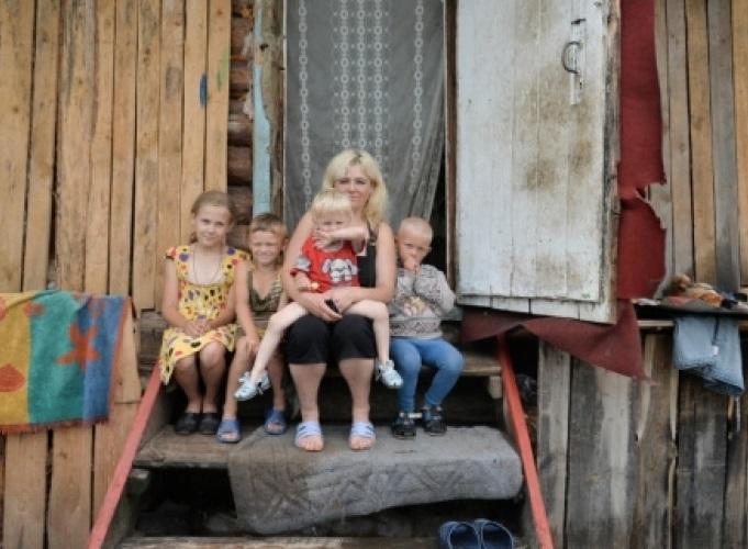 12 миллионов работающих россиян не могут обеспечить себя и свои семьи