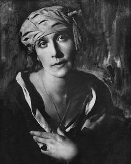 За что «безвинно пострадала» поэтесса Анна Радлова?