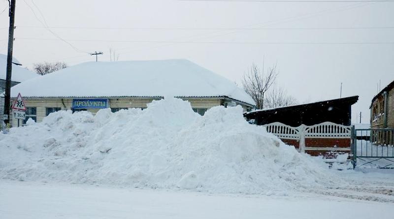 Поселение утонуло в снегу
