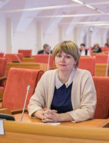 Депутат фракции КПРФ Елена Кузнецова.