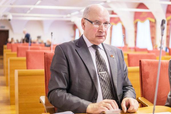М.К.Парамонов: Бюджетная политика – по партийному желанию?