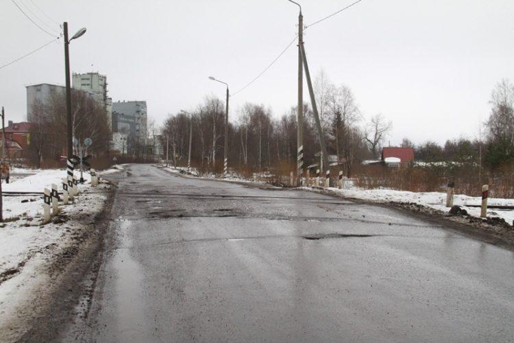 10 переездов в Рыбинске признали аварийными