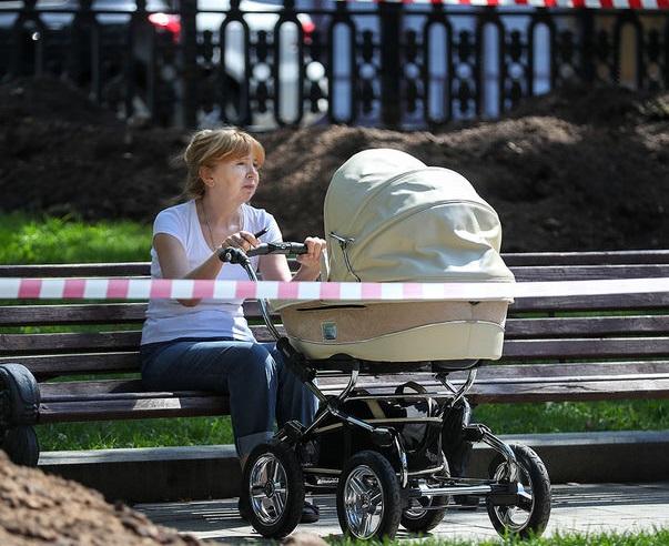 Из-за падения рождаемости в Ярославль приехал главный специалист Минздрава