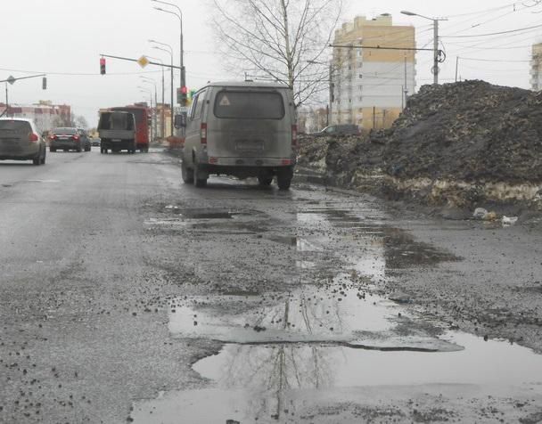 Прокуратура в судебном порядке требует отремонтировать улицу Бабича