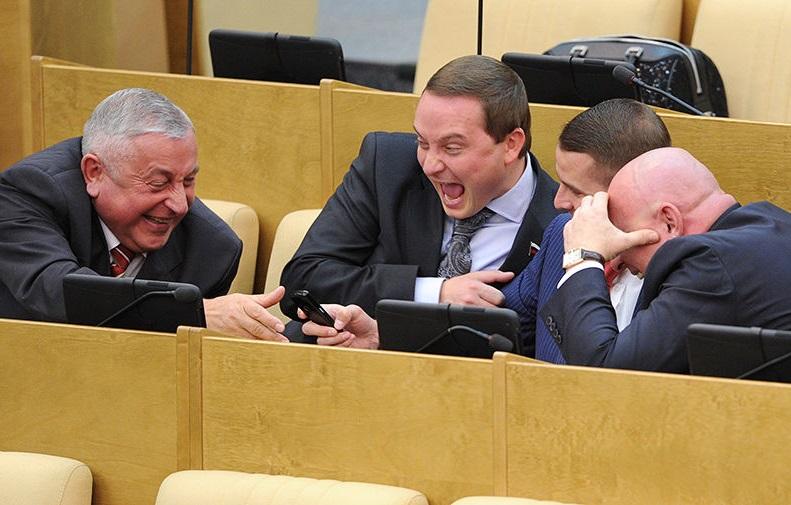 Зарплату депутатов Госдумы пора приравнять к средней по стране