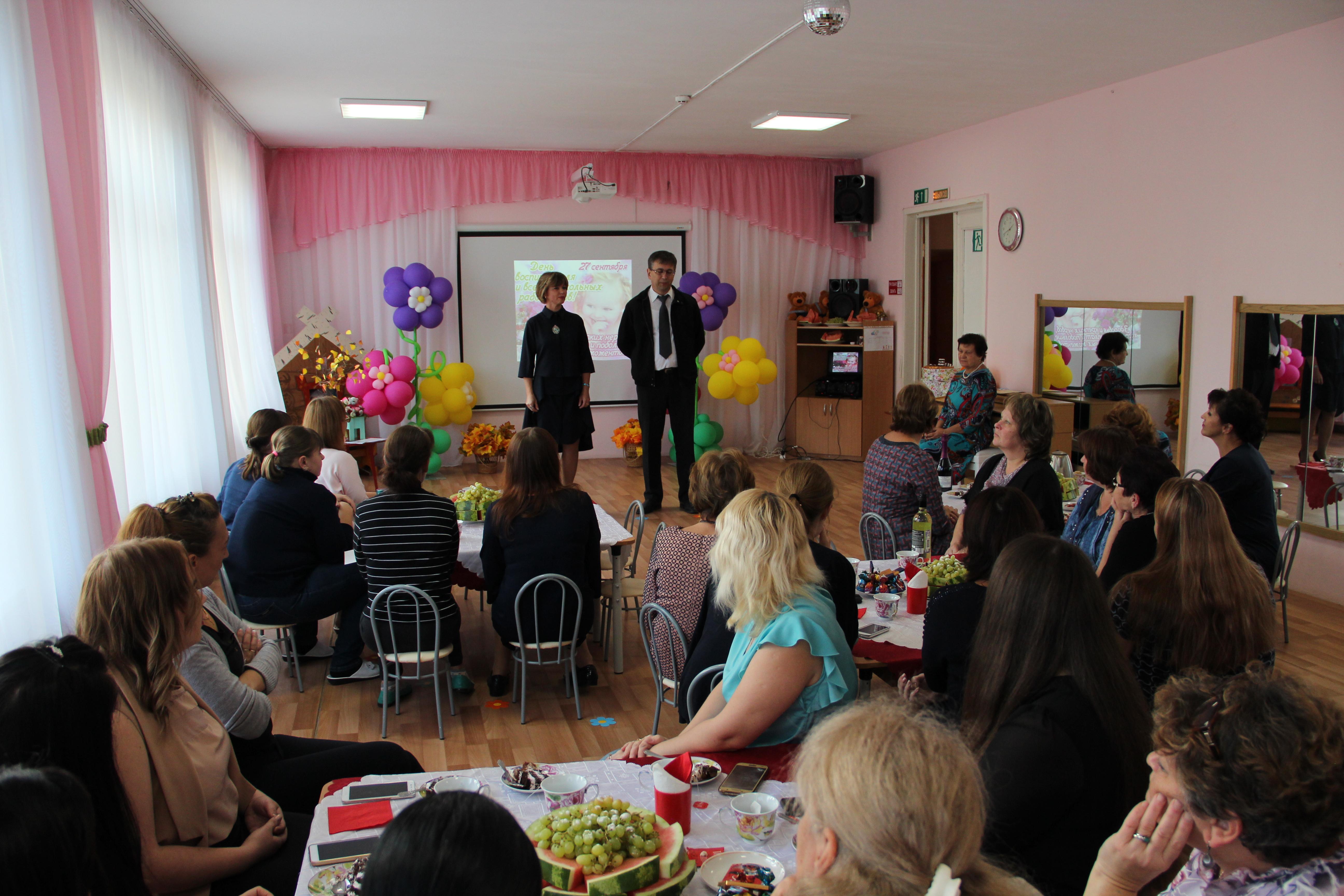 Э.Я Мардалиев поздравил дошкольных работников с их праздником