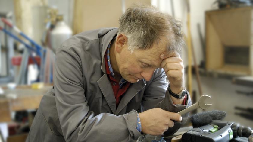Работающие пенсионеры не получат социальную пенсию