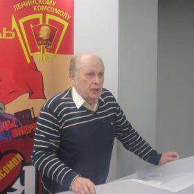 Выступает Сергей Юстинов