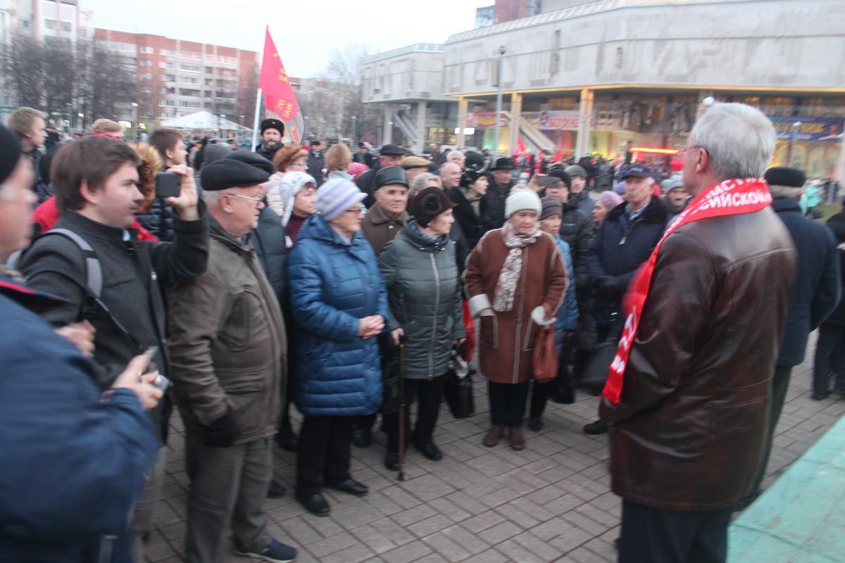 Встреча с депутатами 7 ноября (фоторепортаж)