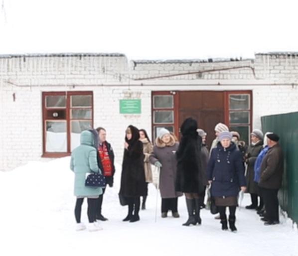 Жители Красного бора остались без нормальной медпомощи (видео)