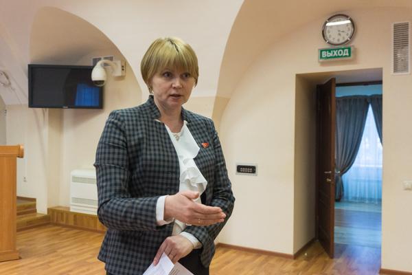 Депутат Елена Кузнецова рассказала американским студентам о работе регионального парламента