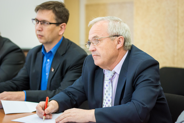 Депутаты-коммунисты подготовили проект обращения в правительство России