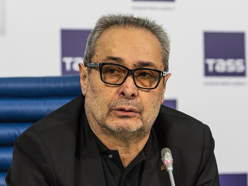 Художественный руководитель Александринки не отступается от идеи слияния двух театров