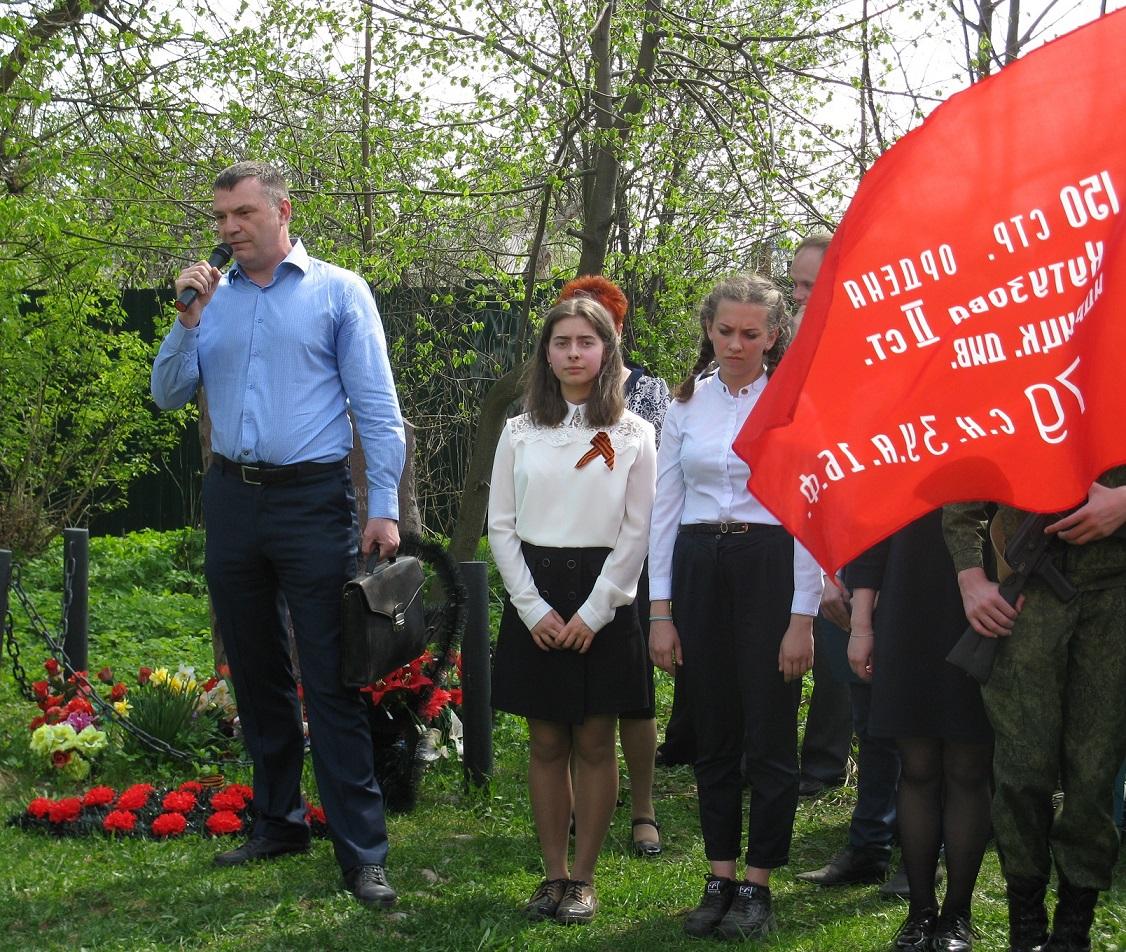 Депутат фракции КПРФ Денис Дёмин встретился с ветеранами поселка Норское