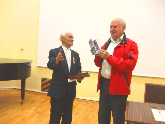 Рыбинские коммунисты чествовали Роберта Вениаминовича Соловьева