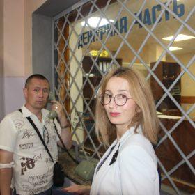 Андрей Сизов и Евгения Овод в отделе полиции