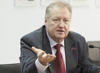 Сергей Обухов: С помощью пенсионной реформы власти еще глубже залезли населению в карман