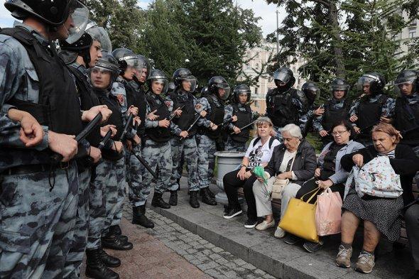 В Москве разогнали протестную акцию за свободные выборы (видео)
