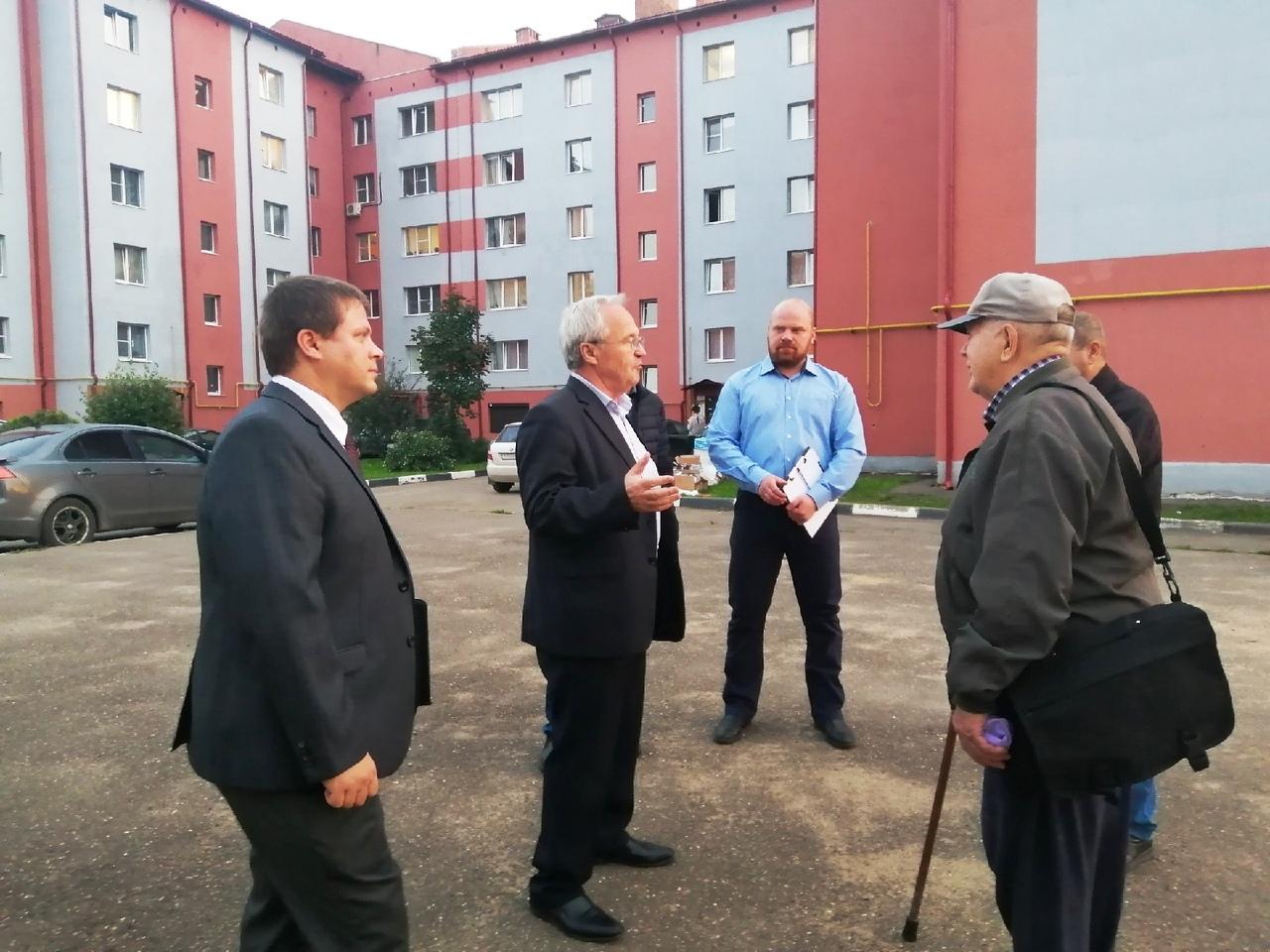 Кандидаты в депутаты от КПРФ встретились с жителями поселка Ивняки
