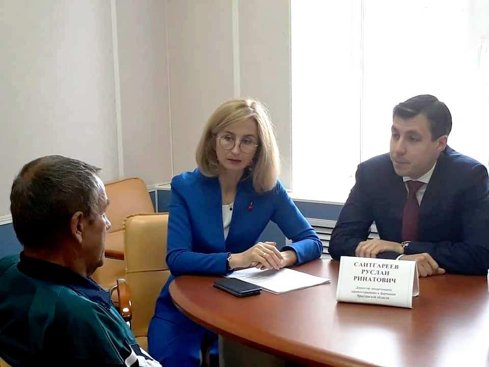 Руководитель фракции КПРФ Евгения Овод побывала на личном приеме директора департамента здравоохранения
