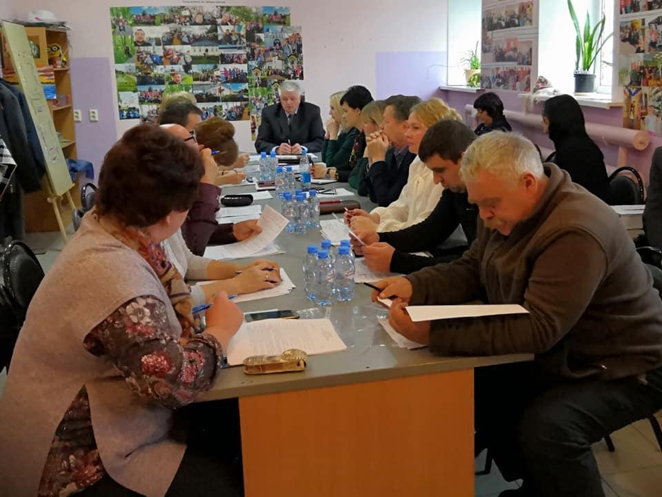 Обсуждали компенсацию главе поселения за неиспользованный отпуск в размере 198 тысяч рублей