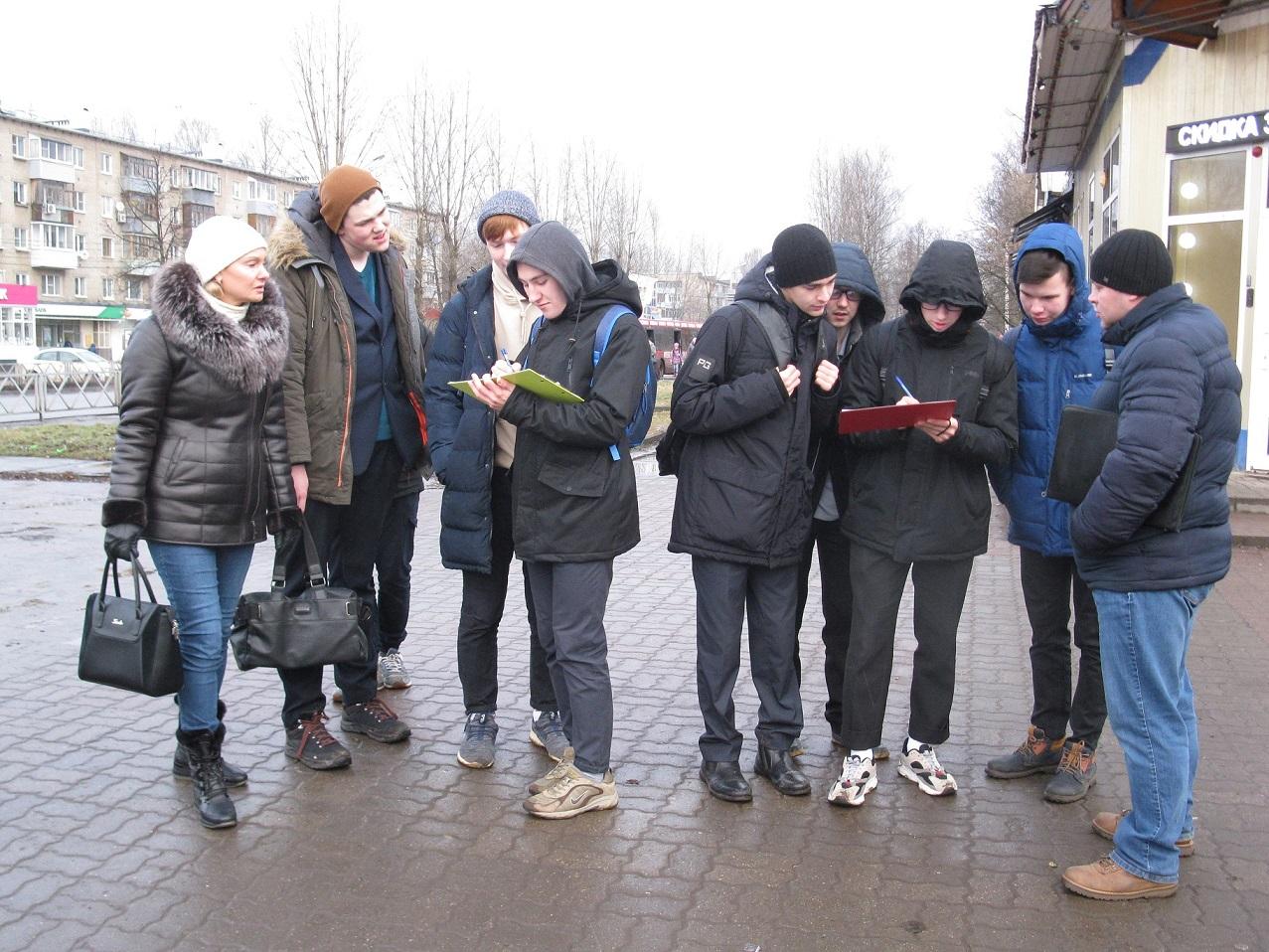Стоп ЦБК! Коммунисты Дзержинского района продолжают сбор подписей