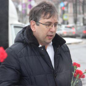 Выступает Эльхан Мардалиев