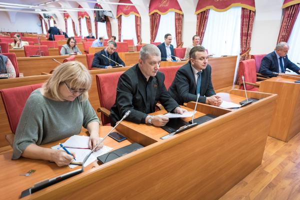 Депутаты КПРФ за упрощение системы выписки льготных лекарств