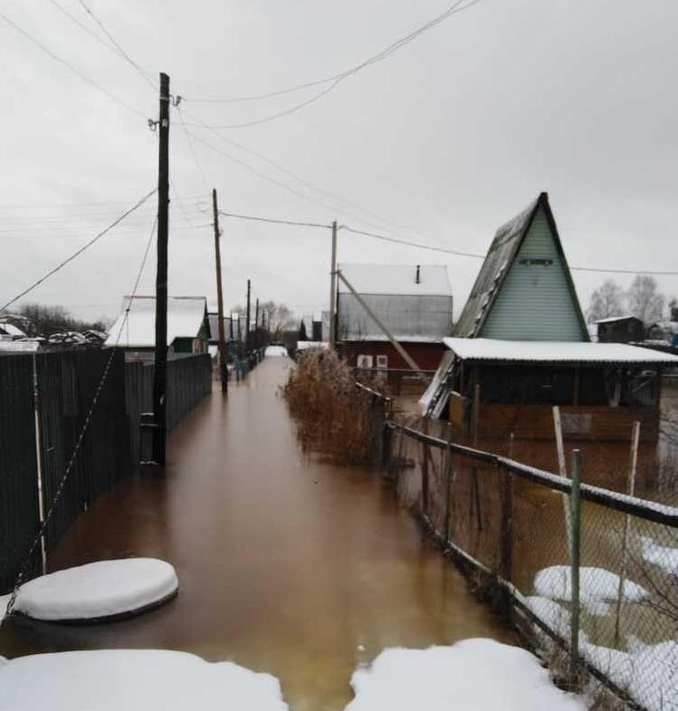 Члены СНТ «Заволжье», пострадавшие от наводнения, обратились к депутату КПРФ