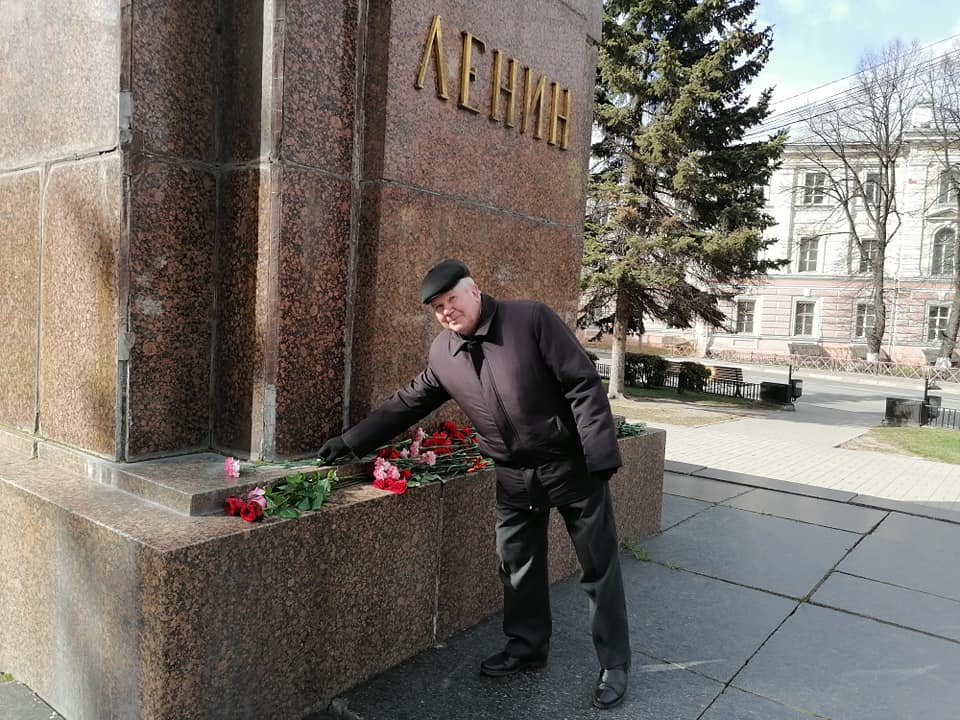 Коммунисты  Дзержинского Южного РК КПРФ почтили память В.Ленина