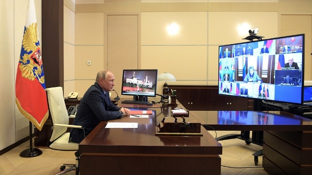 ПРЕЗИДЕНТ ВЫРАЗИЛ ПОКА ЛИШЬ СОЧУВСТВИЕ. 28 апреля состоялось шестое телеобращение Владимира Путина