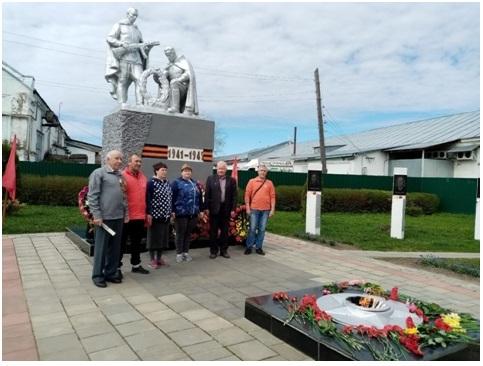 Коммунисты и жители Любима отметили 75 годовщину Победы
