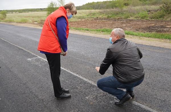 Депутаты-коммунисты на проверке качества ремонта дорог в Гаврилов-Ямском районе