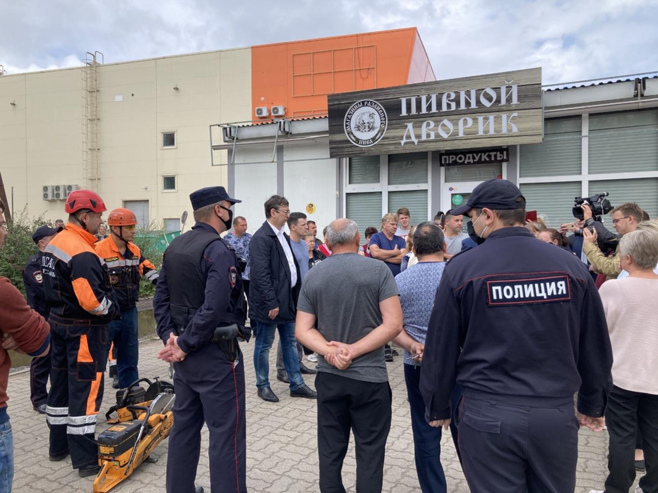 Ярославские депутаты-коммунисты поддержали хозяев торговых точек в Заволжском районе