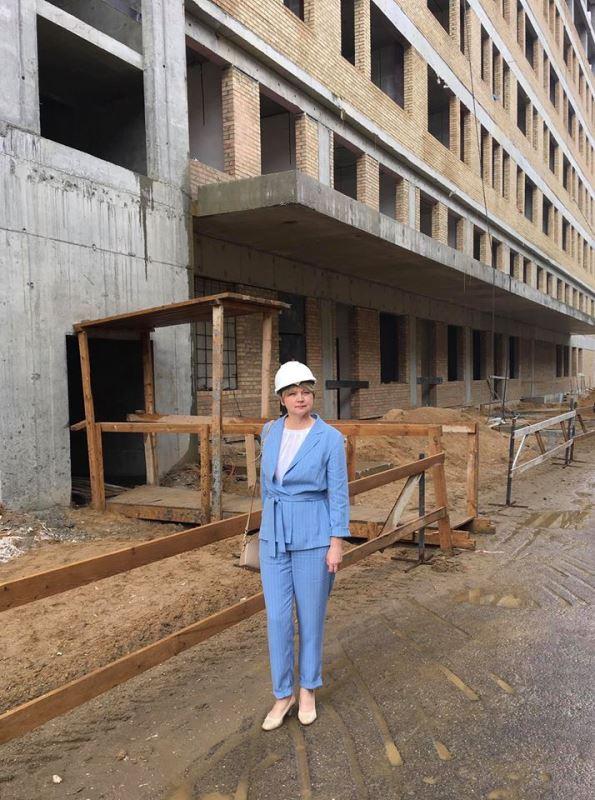 Елена Кузнецова посетила строящийся хирургический корпус областной онкологической больницы