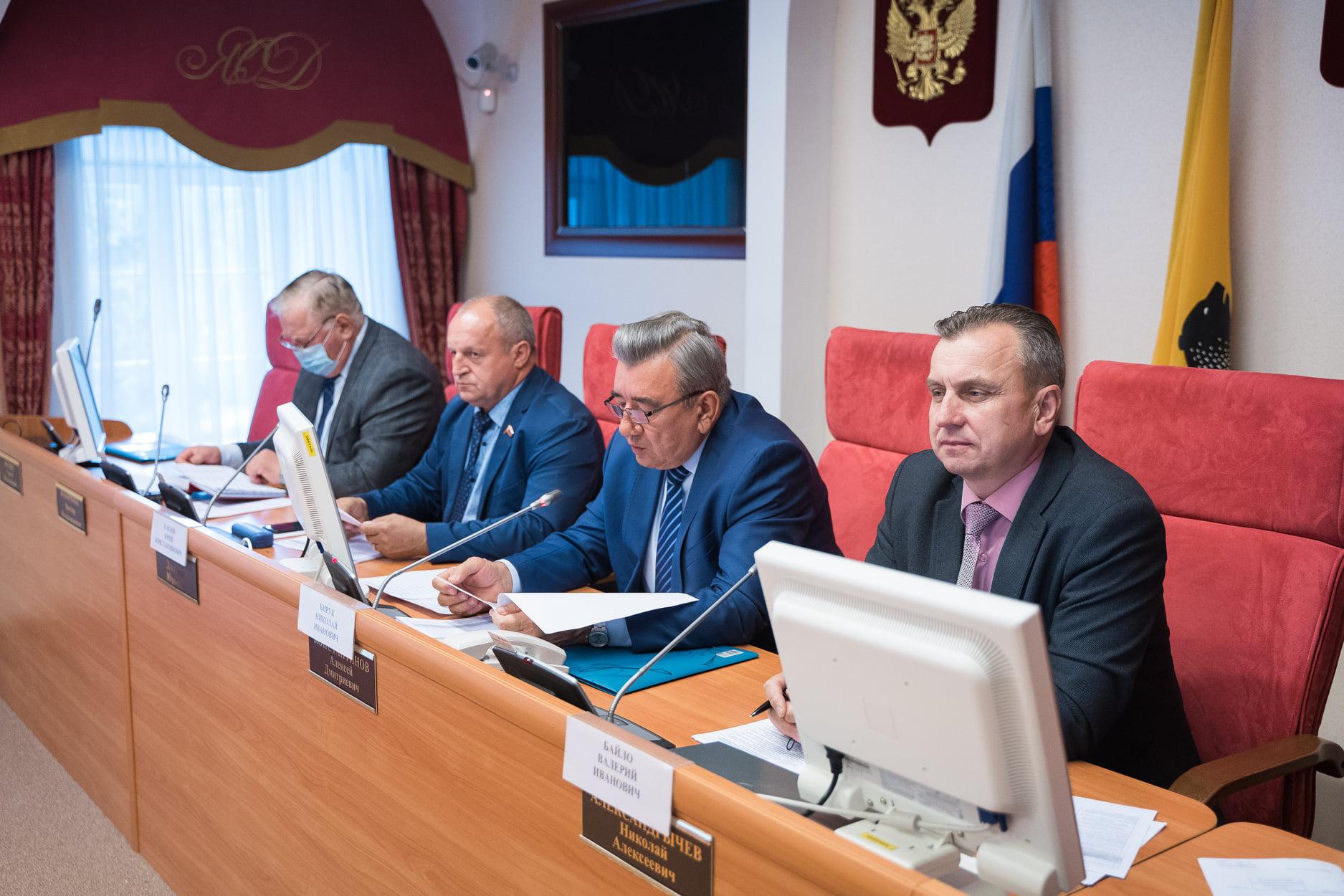 Депутаты рассмотрели итоги выполнения госпрограмм