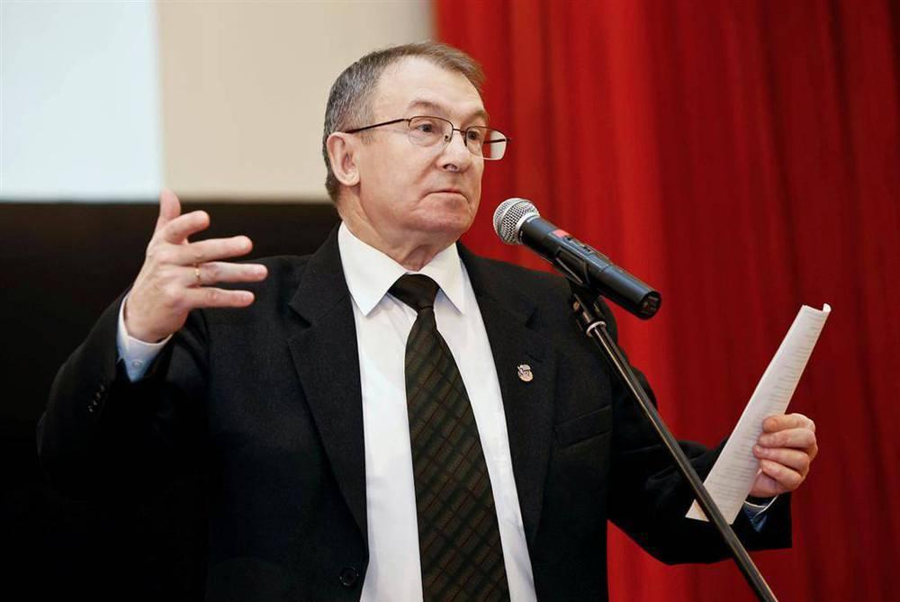 Памяти поэта Евгения Гусева