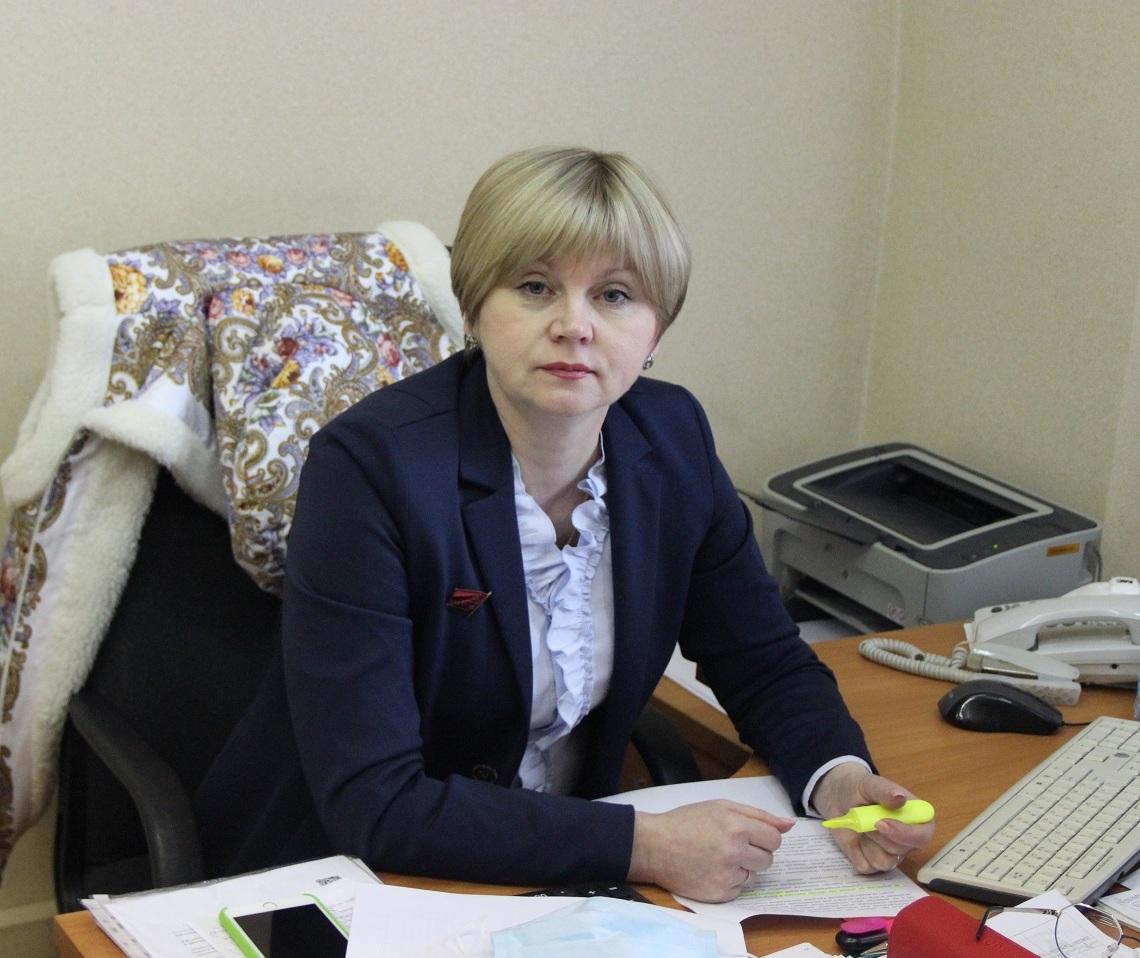 Елена Кузнецова помогла тутаевцам добиться ремонта дороги у лицея №1