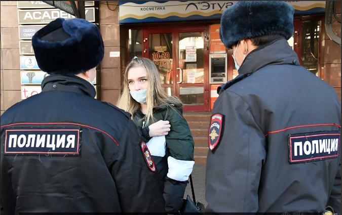 В Ярославле штрафуют продавцов за отсутствие масок у покупателей