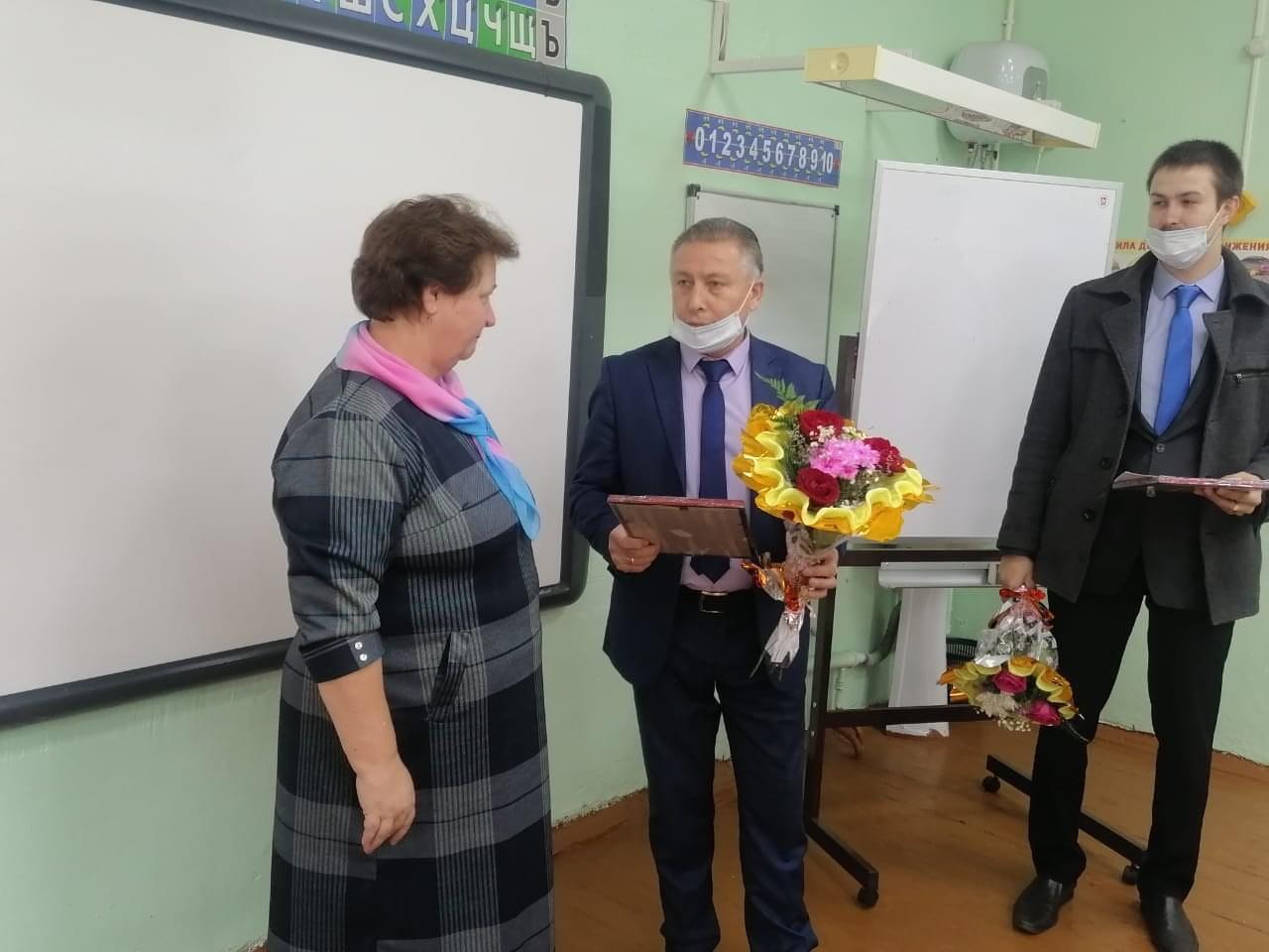 Шакир Абдуллаев поздравил преподавателей с профессиональным праздником