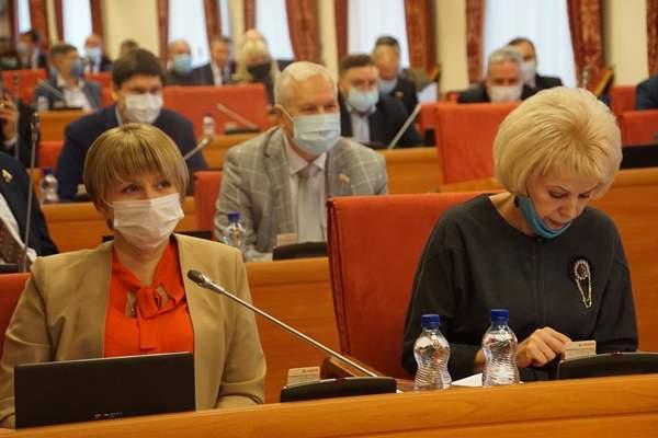 Депутаты-коммунисты требуют: не затыкайте рот оппозиции!